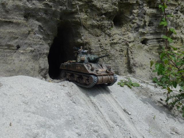 Sherman modifié M4A4 de la 1ère DB  - Page 2 P1110275-467ec58