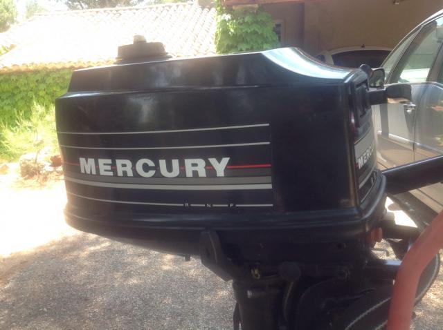 Le bar du port mercury 4 cv 2 temps de 20 ans for Housse moteur hors bord mercury