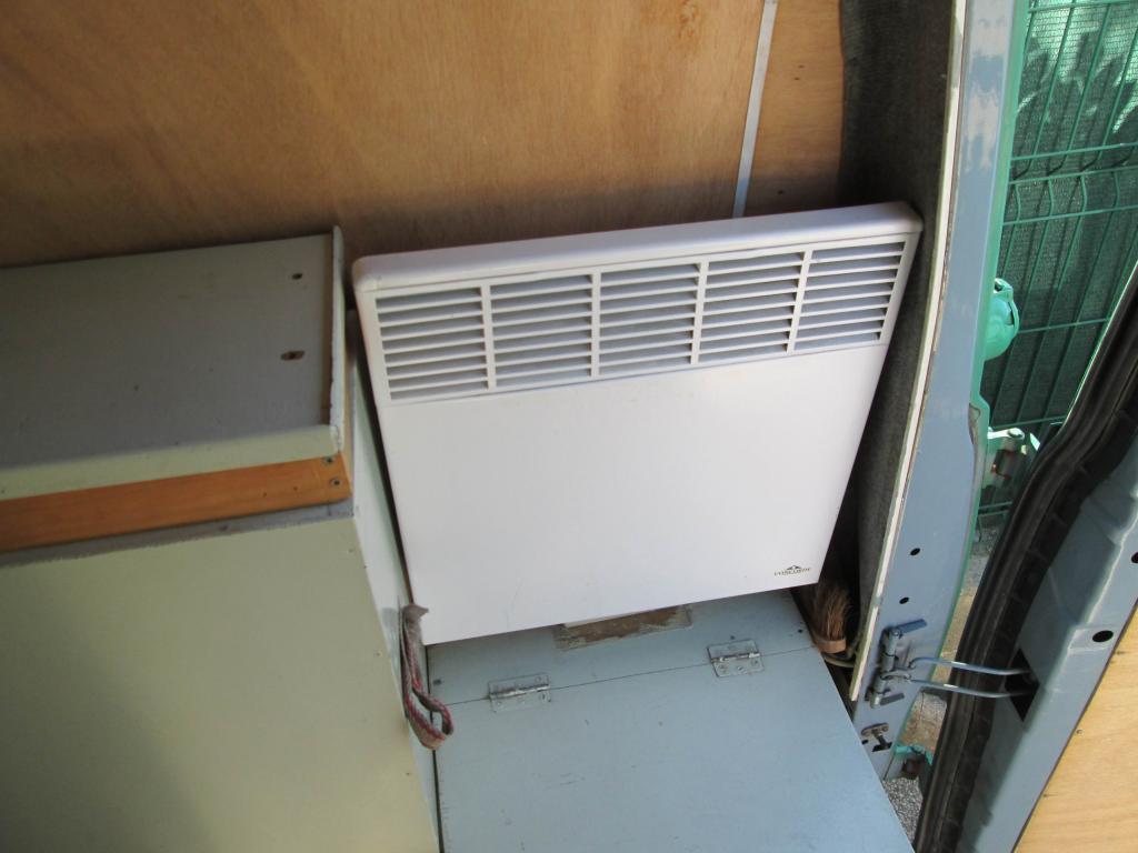 mini radiateur electrique pour wc radiateur dappoint convecteur lectrique solis silent heater. Black Bedroom Furniture Sets. Home Design Ideas