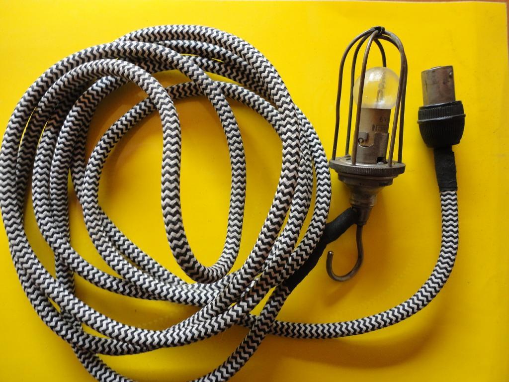 Les renault d 39 avant guerre prise de courant pour lampe for Ancienne prise de courant