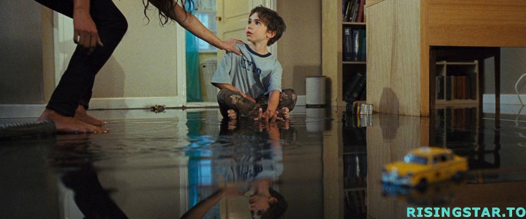Enfance au cin ma mirrors 2007 for Miroir film horreur