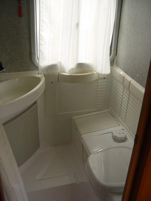 C25 j5 ducato et d riv s chausson acapulco 56 sur c25td - Salle de bain camping car ...