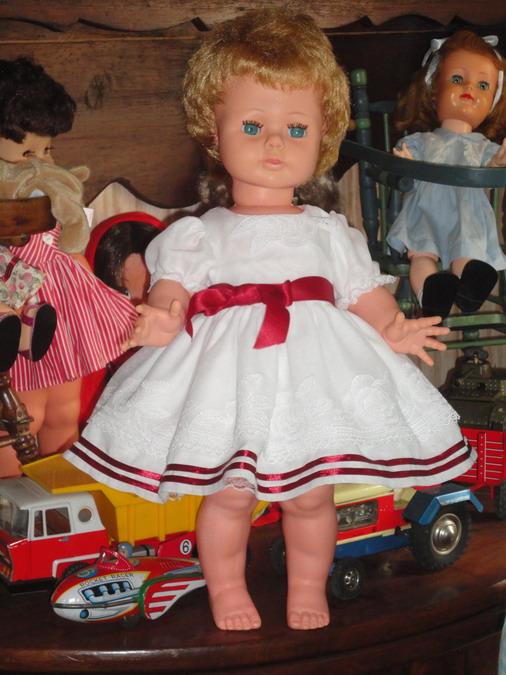 Les poupées de ma maison  - Page 2 Dsc03207_redimensionner-459ebc0