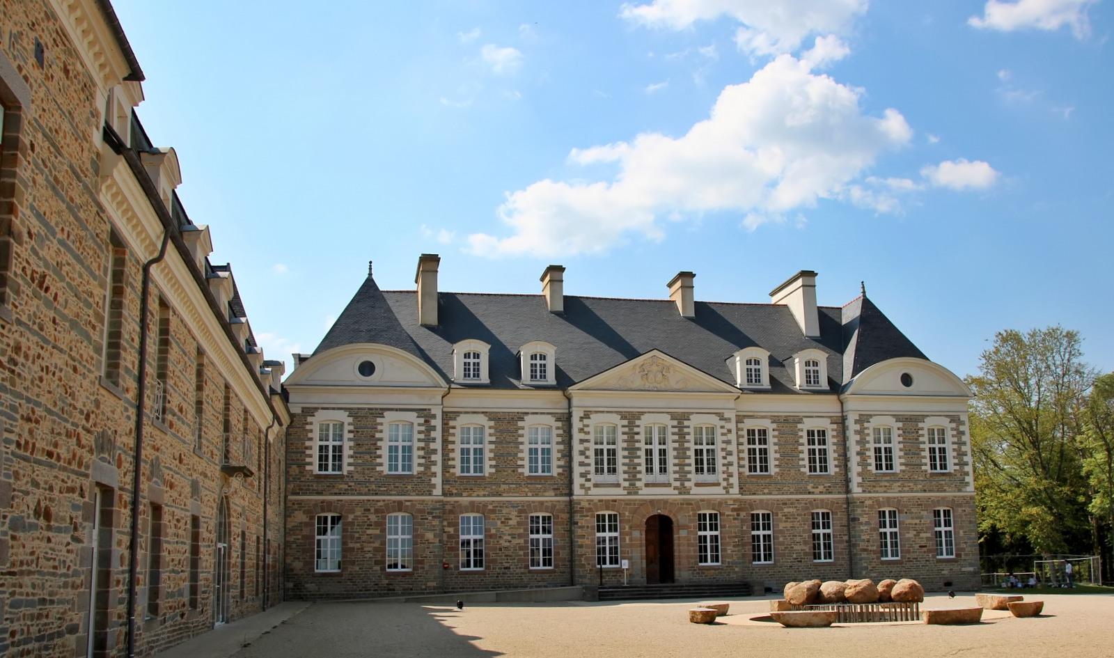 Le Château des Pères (Piré sur Seiche) Img_5742_filtered-560f1ba