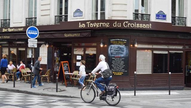 Une petite histoire par jour (La France Pittoresque) - Page 12 Caf-du-croissant_0_0-54df9df