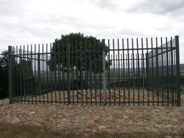 Une petite histoire par jour (La France Pittoresque) - Page 12 South_africa-hank...ns_grave-54ea068