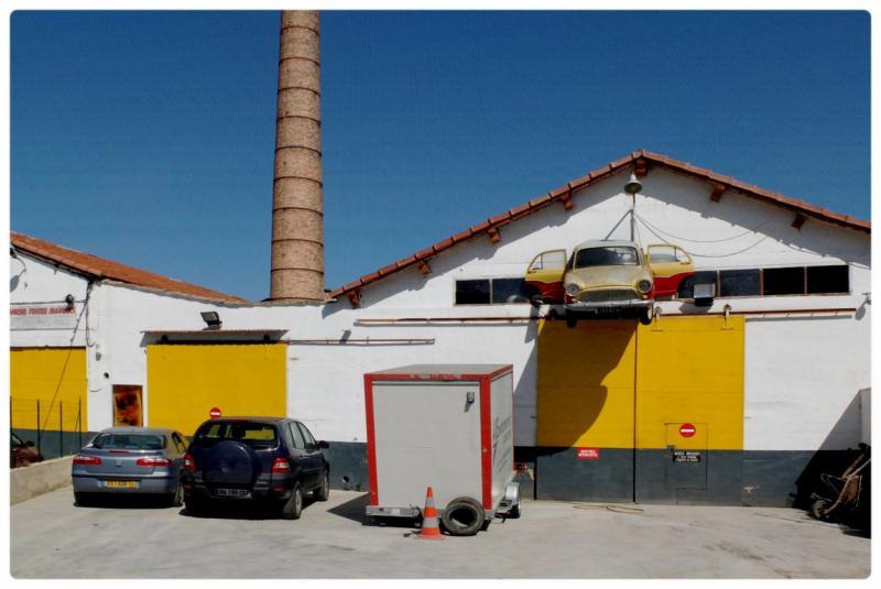 Les photos de francis une balade entre salon de for Garage peugeot salon de provence