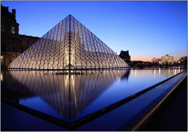 Forum de la taverne de l 39 etrange les gouts et la pyramide du louvre - Construction pyramide du louvre ...
