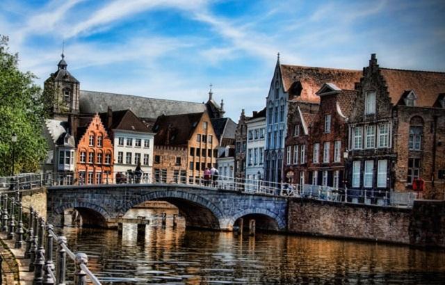 Une petite histoire par jour (La France Pittoresque) - Page 7 Bruges-547e7c2