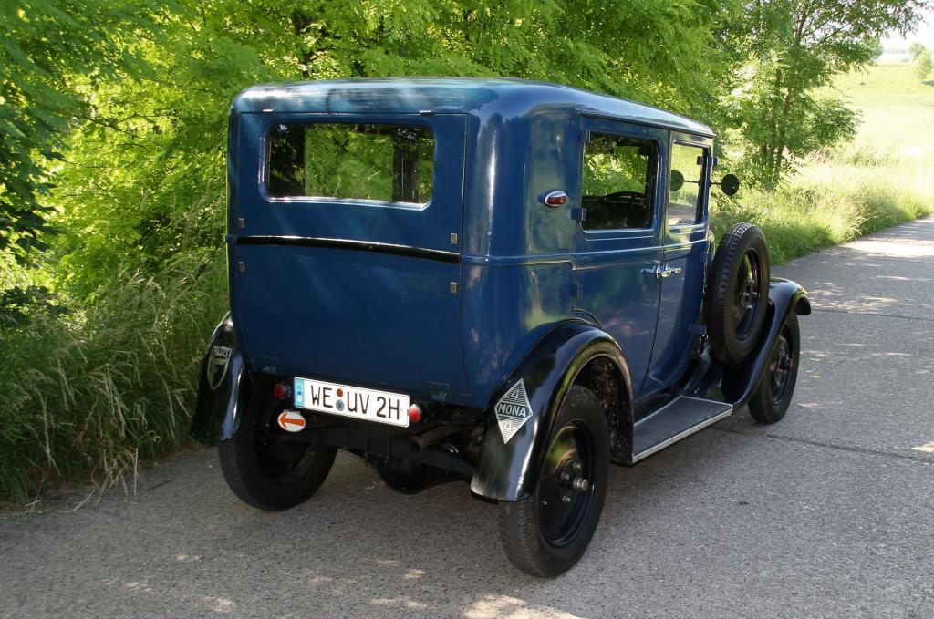 Les Renault D'avant Guerre :: UY 523484 Conduite