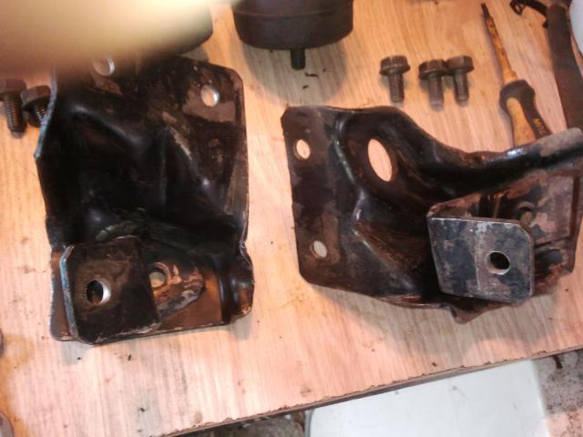 remontage moteur 2.3l V6 ford 1982 - Page 2 Photo0172-5236c9e