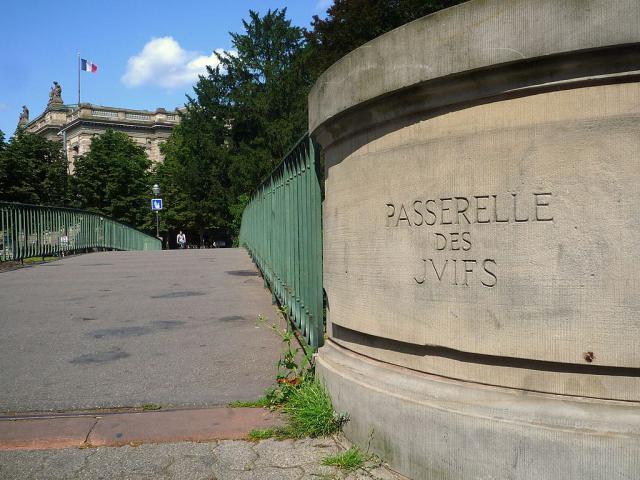 Une petite histoire par jour (La France Pittoresque) - Page 3 1024px-strasbourg...es_juifs-53f5305