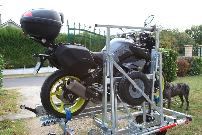 Une remorque moto sympa Remorque-cct44-260_03-537e2b0