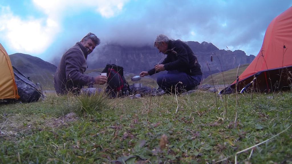 Pêche au Lac d'Anterne (2061 m) Haute Savoie  par Rv74 Vlcsnap-2014-09-2...7m06s205-47c529b