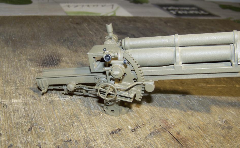 "M7 B1 105 Howitzer Gun Motor Carriage ""Priest"" - Heng Long - 1/16e - Page 2 Elevation-system-4-4e0da63"