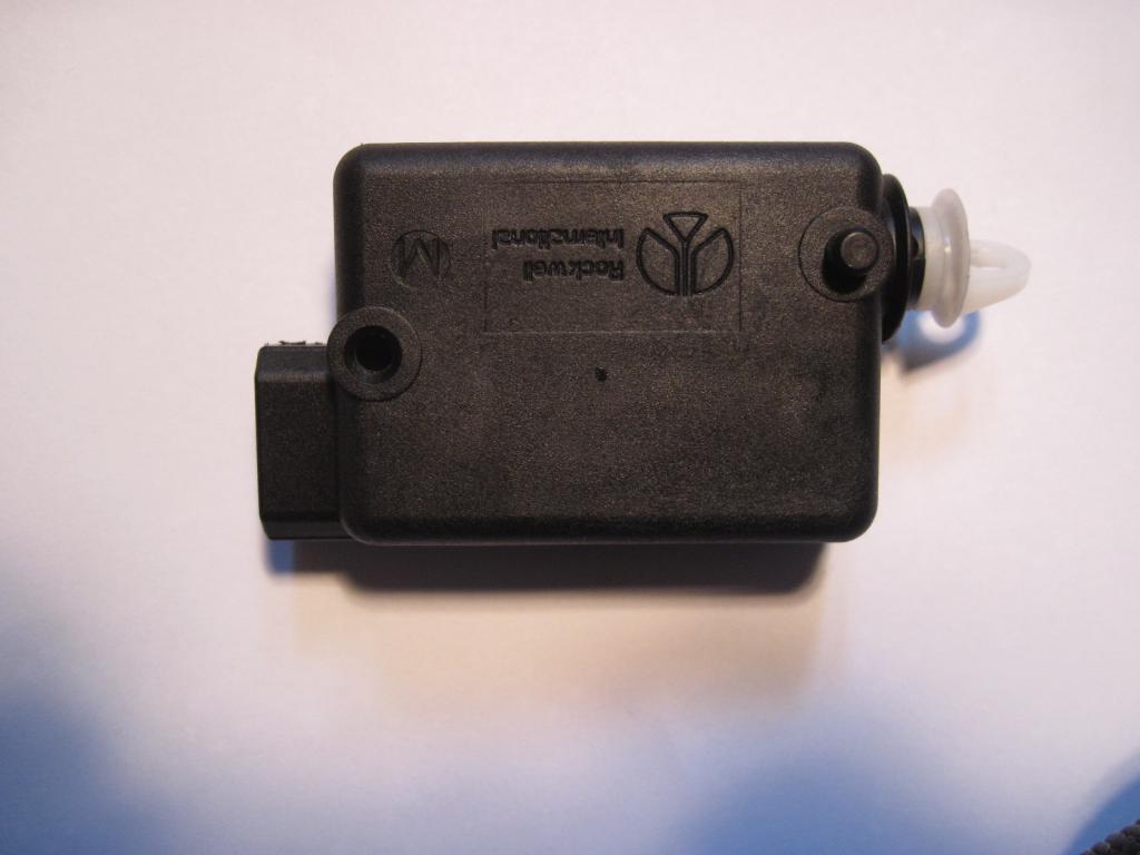 [TUTO] réparation moteur de trappe a carburant safrane  Img_0015-4ca7874