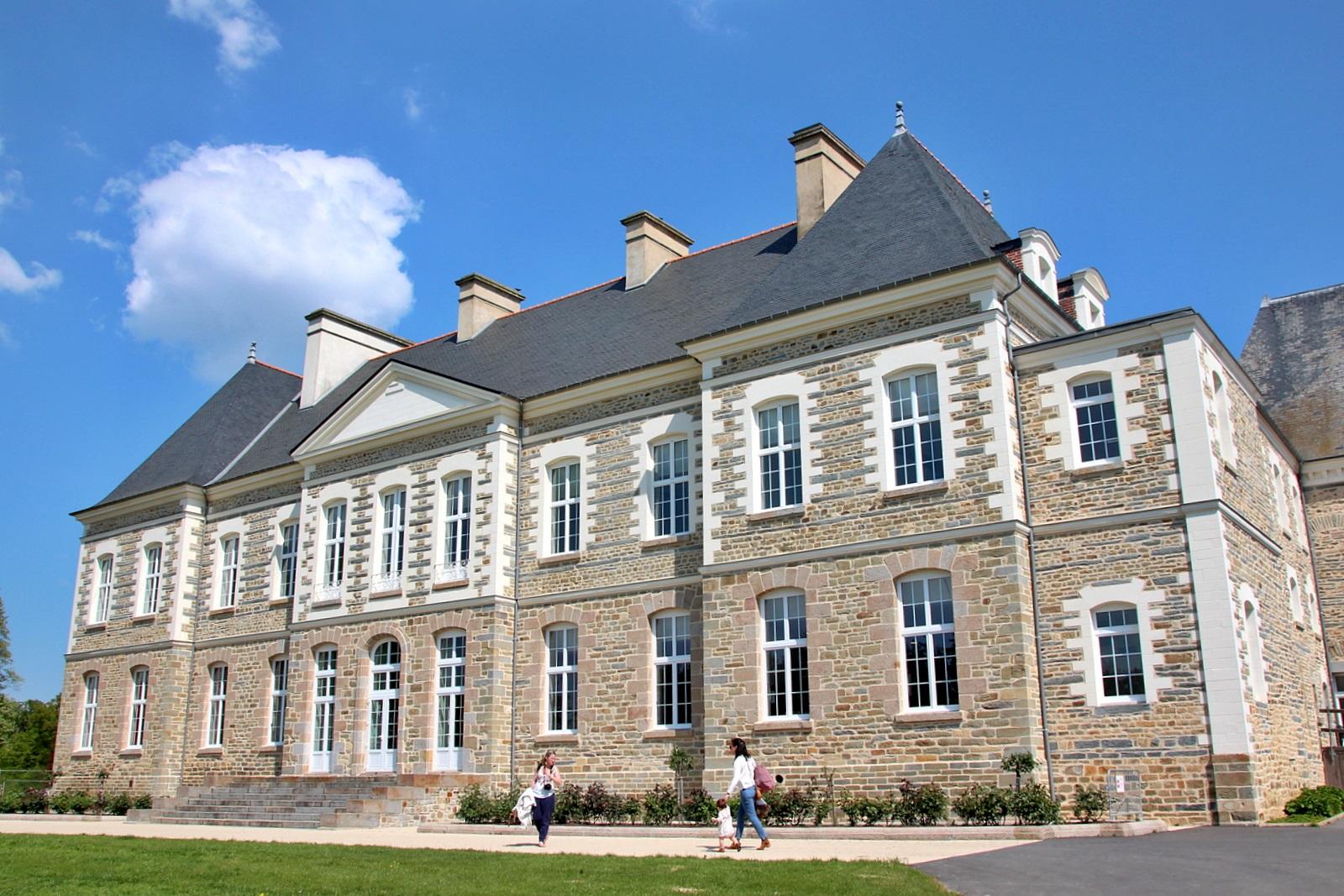 Le Château des Pères (Piré sur Seiche) Img_5682-560e28c