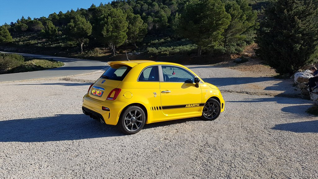 abarth 595 s rie 4 145 cv pr sentation abarth fiat forum marques. Black Bedroom Furniture Sets. Home Design Ideas