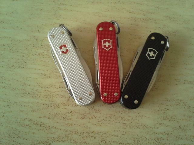 Ma collection Victorinox et wenger. [par Lucke] 10428553_10203222...851315_n-4a1e716
