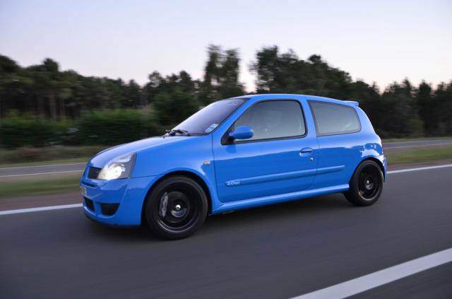 94] RS3 Dynamo _-_ RHD to LHD and more !! - Page 108 - Clio ...