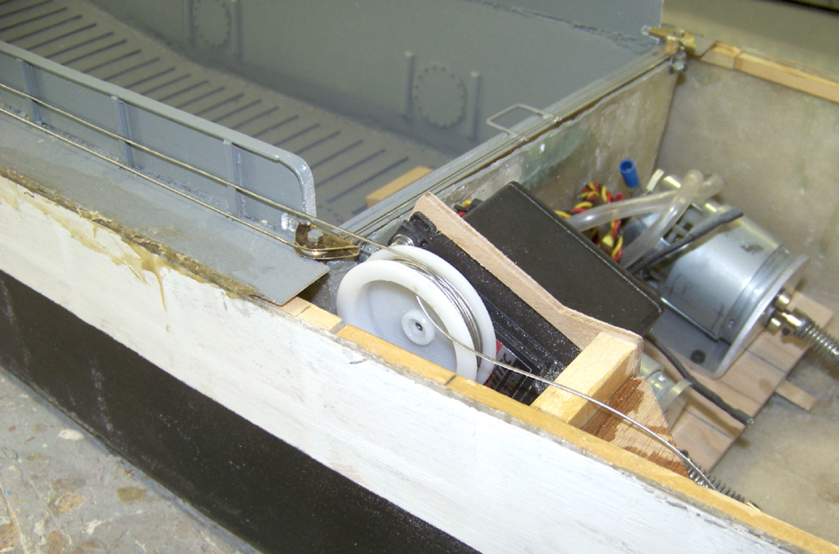 Barge LCM 6 au 1/16e - Page 4 109_3600-4a39417