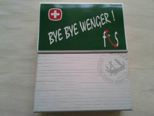 Ma collection Victorinox et wenger. [par Lucke] - Page 4 155441_1020228838...733383_n-4a1e75d