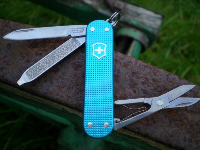 Ma collection Victorinox et wenger. [par Lucke] Dscn7530-4a3d582