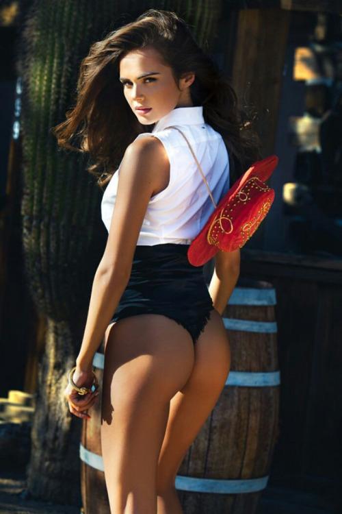 skandalnie-intimnie-foto-peris-hilton