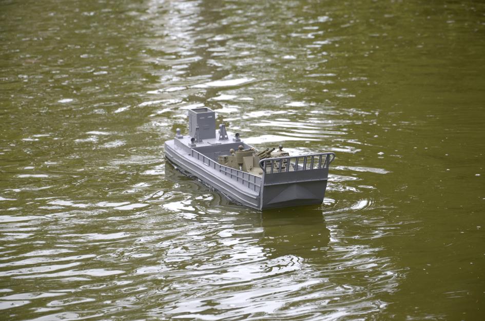 Barge LCM 6 au 1/16e - Page 5 Dsc_0118-4fe6a9d