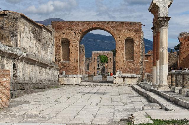 Une petite histoire par jour (La France Pittoresque) - Page 13 Pompeii-2194921_1280-54fad20
