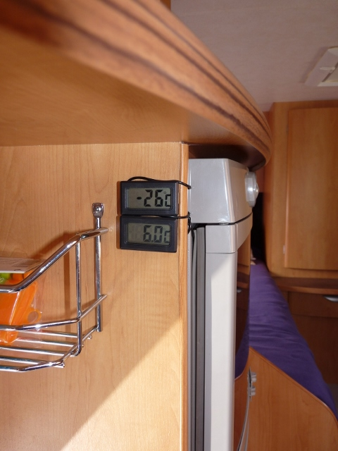 forum camping car par marque frigo plus de froid. Black Bedroom Furniture Sets. Home Design Ideas