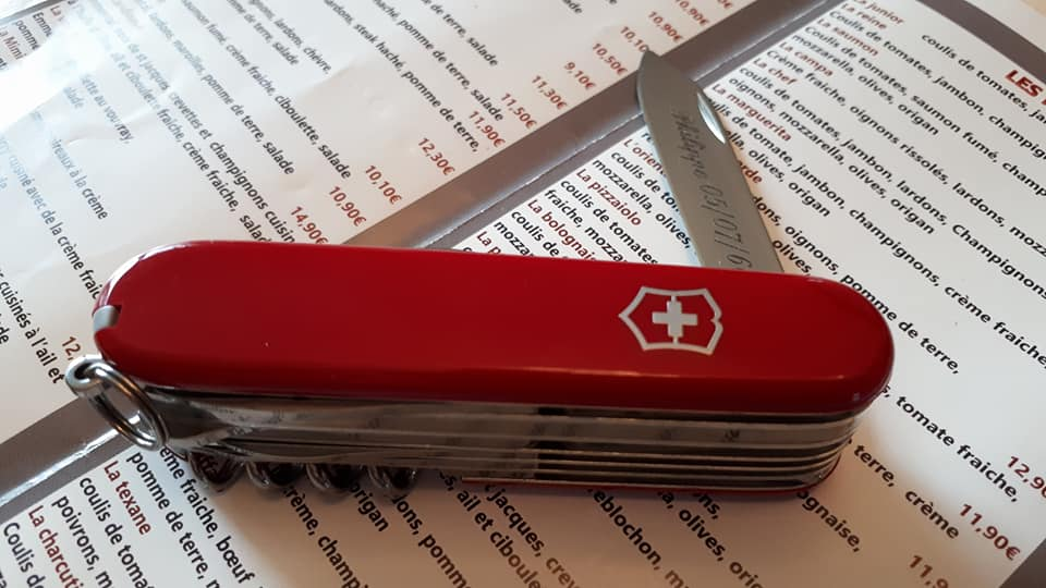 Mes 91mm rouge et ALOX 93 mm ( Victorinox ) -- ( Philippe ) 33922799_10210942...791360_n-548fce0