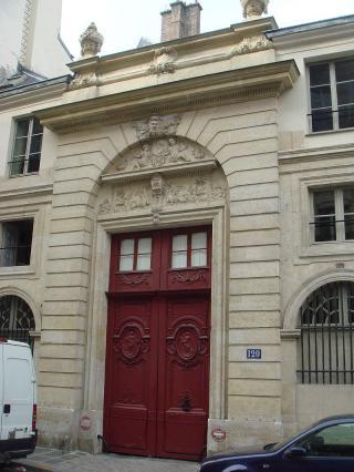 Une petite histoire par jour (La France Pittoresque) - Page 10 800px-house_of_ch...e_du_bac-54bf0ef