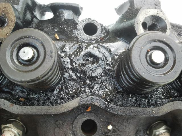 remontage moteur 2.3l V6 ford 1982 - Page 3 Photo0210-523c777