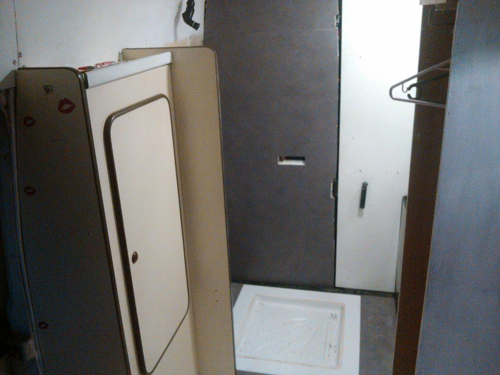 c25 j5 ducato et d riv s nettoyage et r paration du fourgon. Black Bedroom Furniture Sets. Home Design Ideas