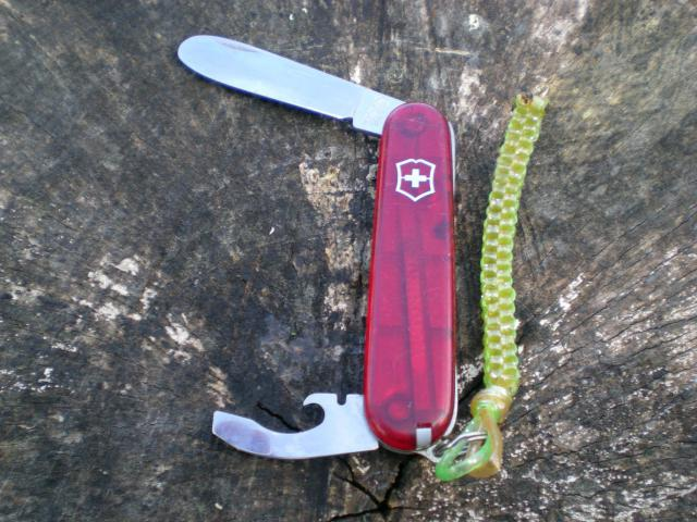 Ma collection Victorinox et wenger. [par Lucke] - Page 4 10974463_10205066...332378_o-49f7fc0