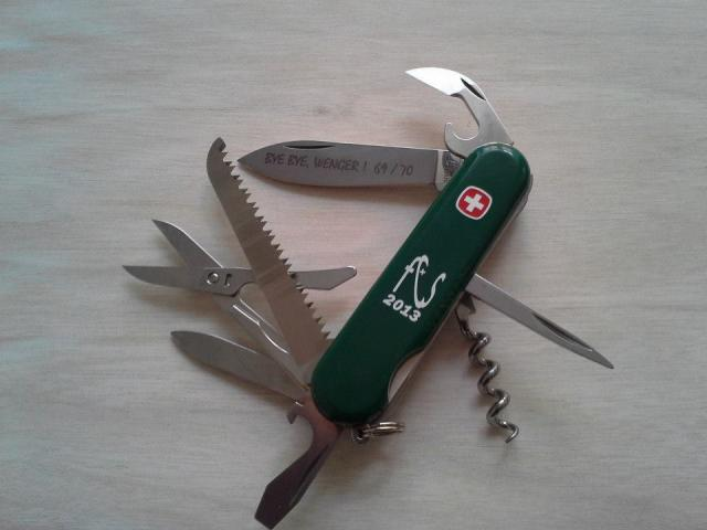 Ma collection Victorinox et wenger. [par Lucke] - Page 4 1656136_102022883...984013_n-4a1e76f