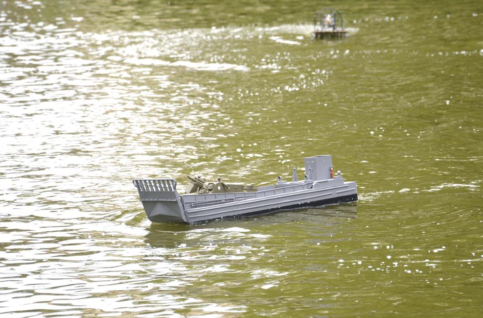 Barge LCM 6 au 1/16e - Page 5 Dsc_0123-4fe6a8c