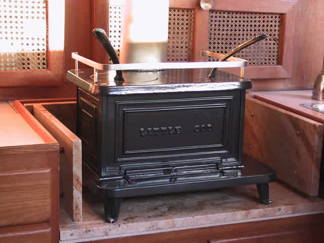 le bar du port chauffage d 39 appoint. Black Bedroom Furniture Sets. Home Design Ideas