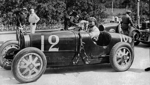 BUGATTI 35 MONOGRAM Bugatti-gp-goodwood-2--4b3de03