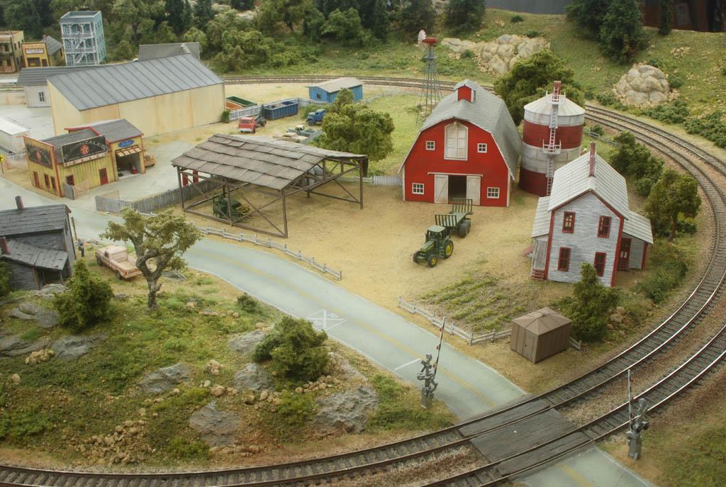 Turtle Field Railroad - Page 37 Ferme-4cfece4