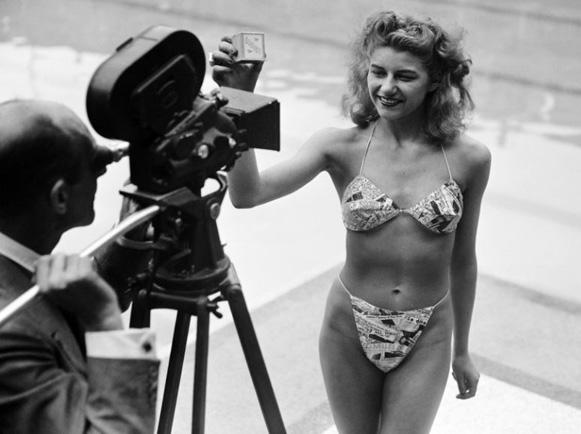 Une petite histoire par jour (La France Pittoresque) - Page 10 Bikini-54c074c