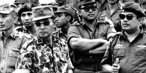 ephemeride - Page 10 Suharto-552aecf