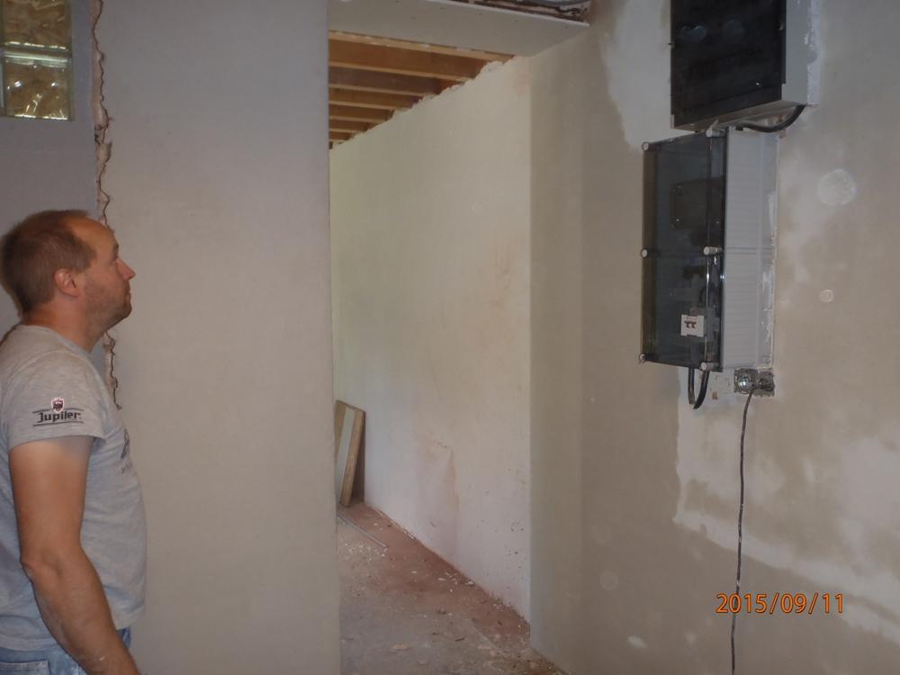 Construire une extension une cuisine la belle for Plafonnage mur exterieur