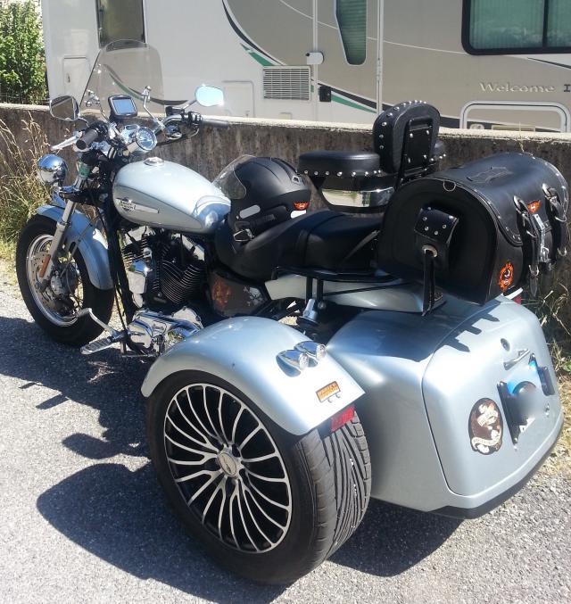 forum des moto trikers tri glide et bikeconversion only trike eml full option a vendre vendu. Black Bedroom Furniture Sets. Home Design Ideas