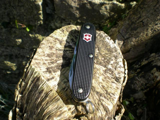 Ma collection Victorinox et wenger. [par Lucke] Dscn7544-4a3e65c