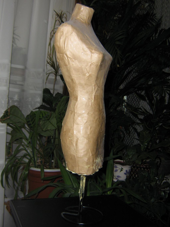 Les f es tisseuses divers mannequin de couture maison - Couper mousse expansive ...
