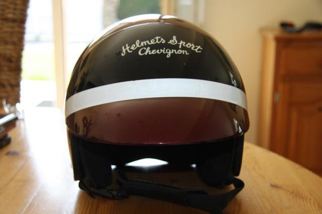 Suzuki vanvan club cherche casque moto pour enfant - Casque moto course ...