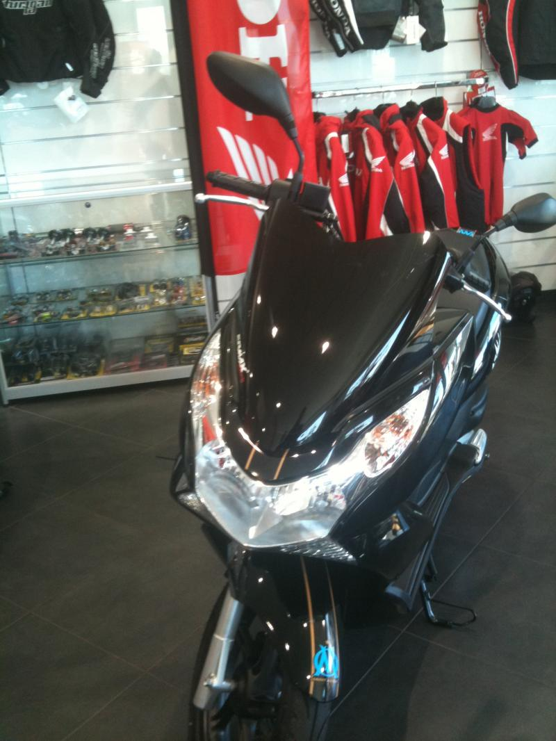 pcx club france partenariat honda king moto marseille. Black Bedroom Furniture Sets. Home Design Ideas