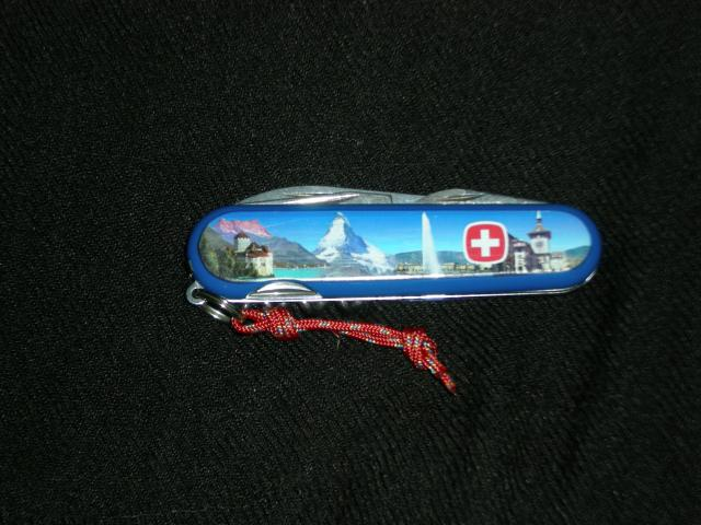 Ma collection Victorinox et wenger. [par Lucke] Dscn4337-1dbbbd3